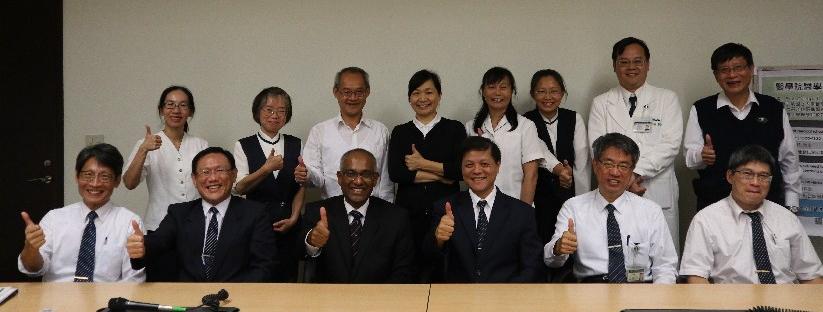 新加坡國立大學Dr. Dujeepa D. Samarasekera 教授與慈濟大學師生進行經驗交流及分享。(20181108)