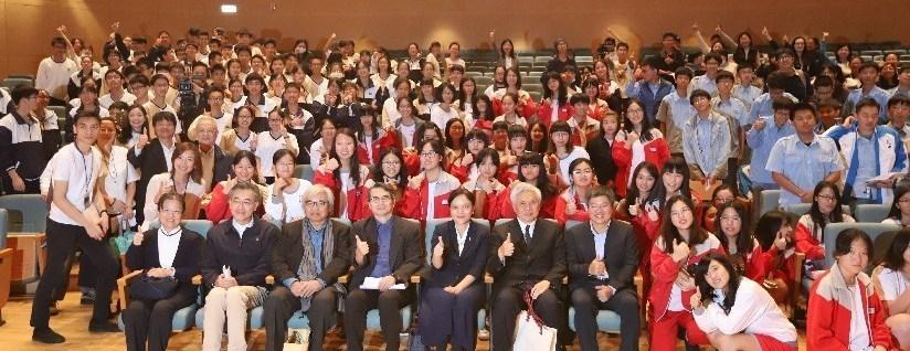 2018中央研究院科普演講在慈濟大學舉行,吸引400多位民眾湧進聽講。(20181102)