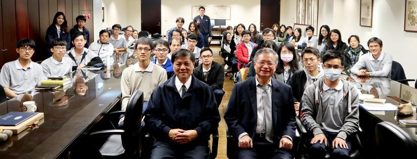 慈濟大學醫學院邀請林昭庚教授分享「我的醫學生涯」。(20190107)