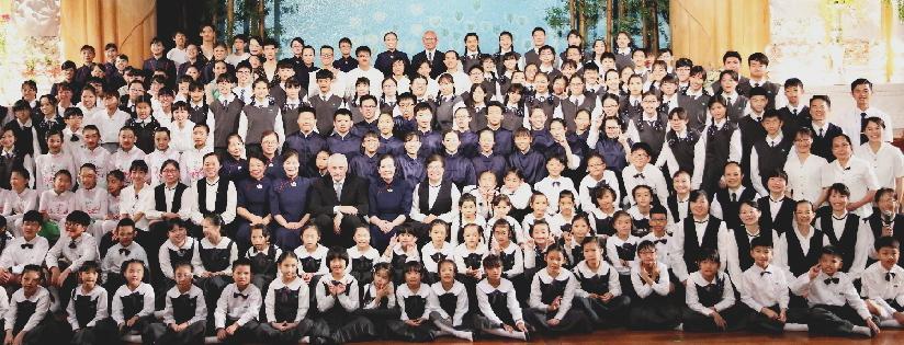 慈大附中舉辦藝術饗宴,感恩回首慈濟五十三周年及創校二十周年。(20190427)